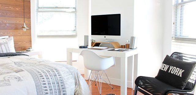 Fernseher im Schlafzimmer – Einschlafhilfe oder Störfaktor? | Betten ...